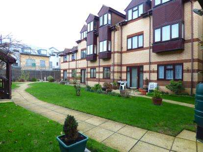 1 Bedroom Retirement Property for sale in 25 Elmore Road, Lee-On-The-Solent, Hampshire