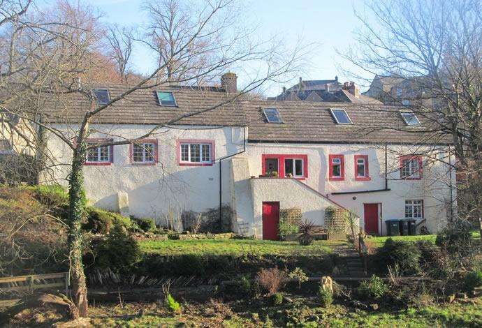 4 Bedrooms Detached House for sale in Waterside Cottage Waterside Road, Jedburgh, TD8 6HA