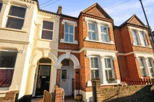 3 Bedrooms Terraced House for sale in Overcliff Road, Lewisham, London