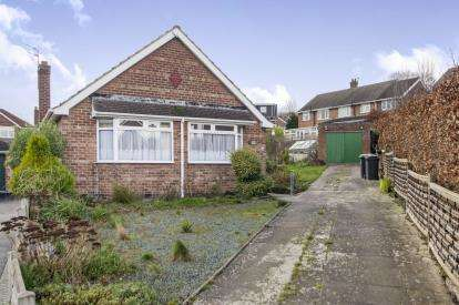 2 Bedrooms Bungalow for sale in Redland Close, Beeston, Nottingham