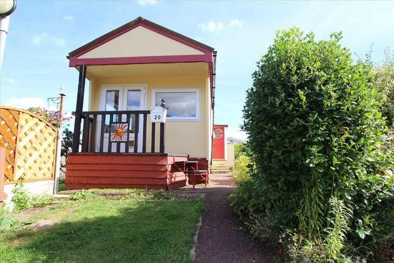 1 Bedroom Park Home Mobile Home for sale in Hillside Park, Baldock, SG7