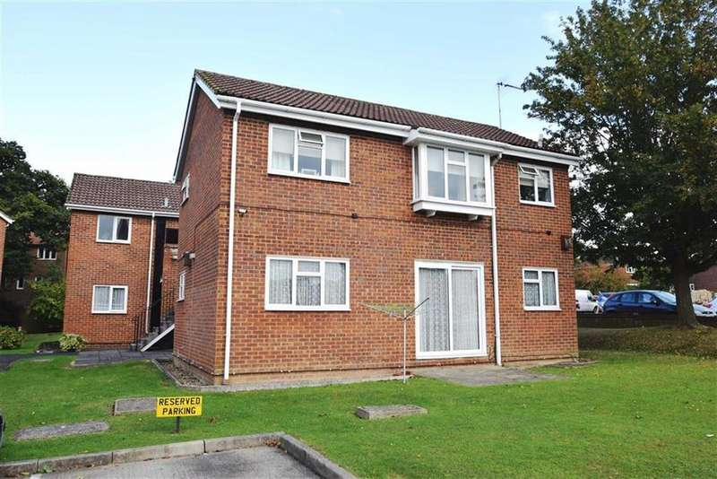 2 Bedrooms Apartment Flat for sale in Bellingdon, Watford, Herts