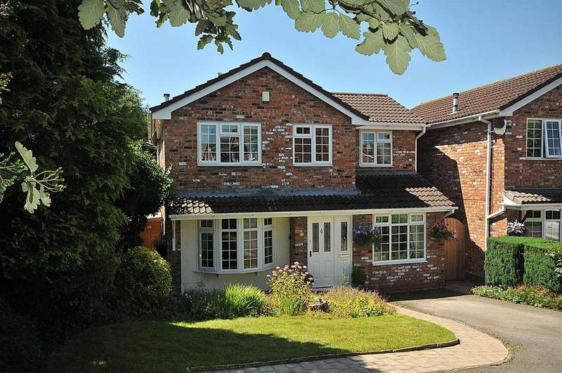 4 Bedrooms Detached House for sale in Kingfisher Grove, Wincham