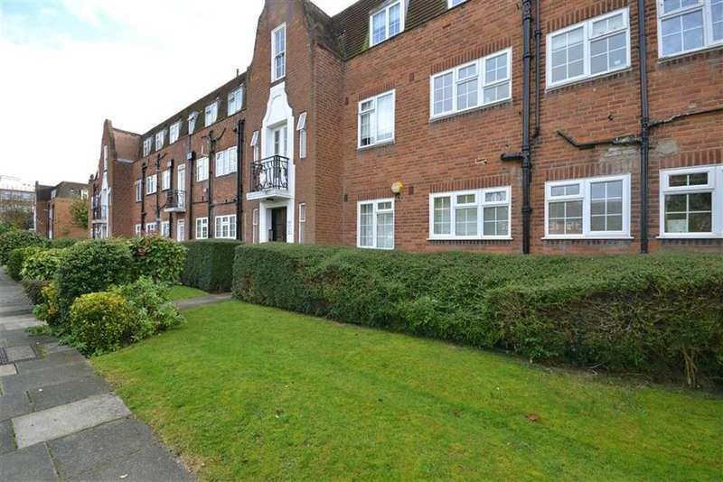 3 Bedrooms Flat for sale in Belmont Close, Cockfosters Barnet, Hertfordshire