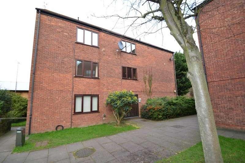 1 Bedroom Apartment Flat for sale in Silverfield, Broxbourne, EN10