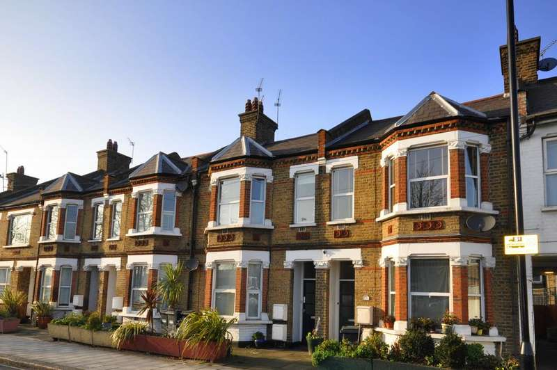 1 Bedroom Flat for sale in Dorchester Grove, Chiswick, London
