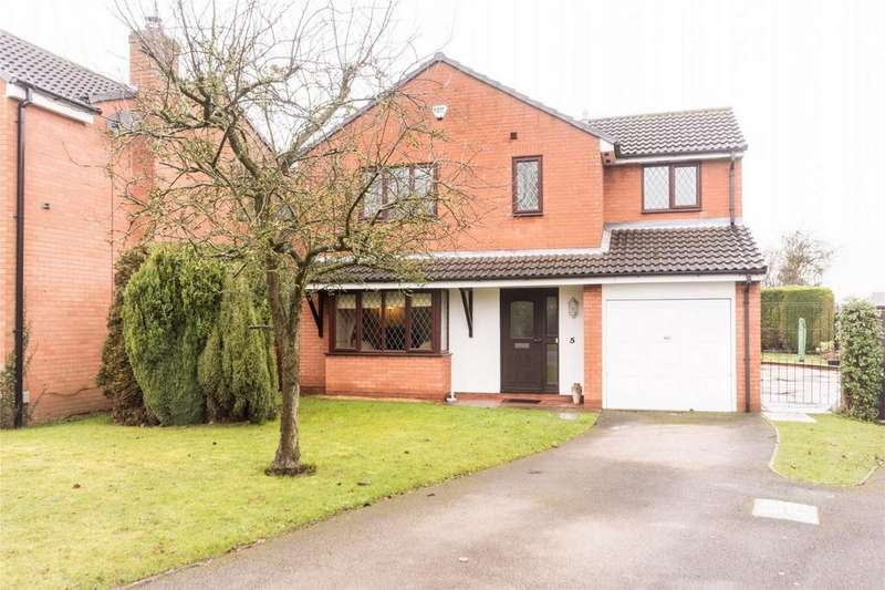 4 Bedrooms Detached House for sale in Meadow Croft, Streethay, Lichfield, Staffordshire