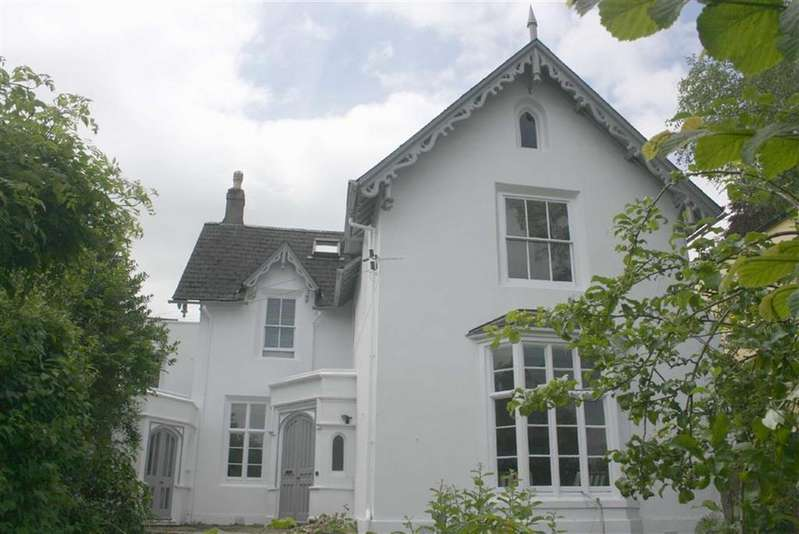 4 Bedrooms Semi Detached House for sale in Plymouth Road, Totnes, Devon, TQ9