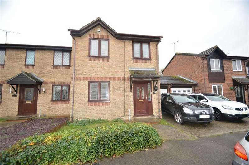 3 Bedrooms Semi Detached House for sale in Parklands, Rochford, Essex