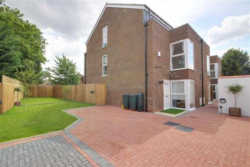 4 Bedrooms House for sale in Narev Drive, East Barnet Village, Hertfordshire