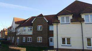 2 Bedrooms Flat for sale in Wigeon Road, Iwade, Sittingbourne, Kent
