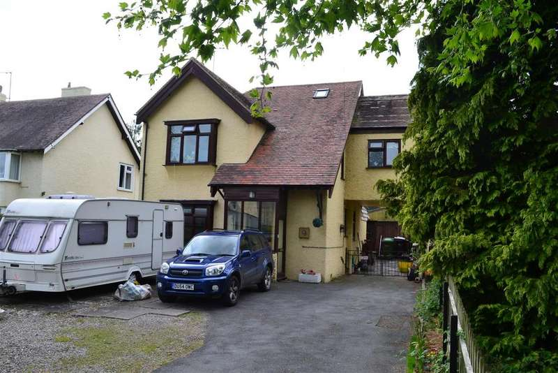 4 Bedrooms Detached House for sale in Hereford Road, Leominster