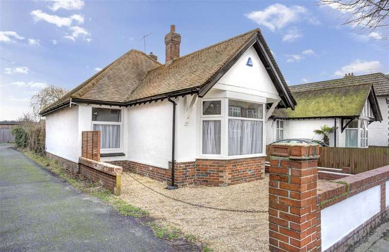 3 Bedrooms Detached Bungalow for sale in Leicester Villas, Hove
