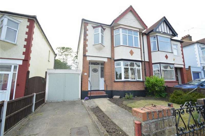 3 Bedrooms Semi Detached House for sale in Victoria Road, Southend On Sea, Essex