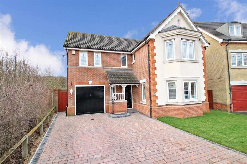 4 Bedrooms Detached House for sale in Galloway Drive, Braeburn Park, Crayford