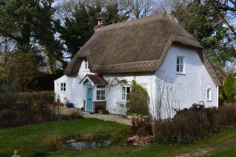 2 Bedrooms Cottage House for sale in Lower Row, Wimborne, Dorset