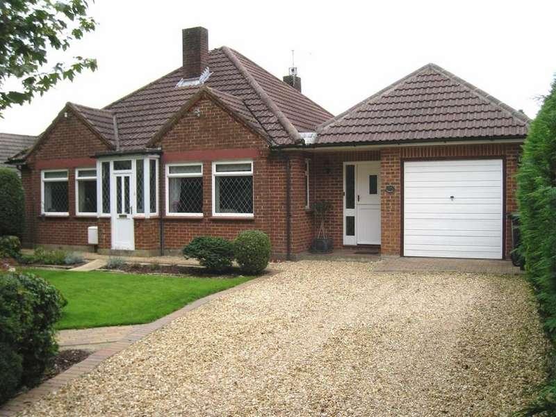 3 Bedrooms Detached Bungalow for sale in Award Road, Wimborne, Dorset