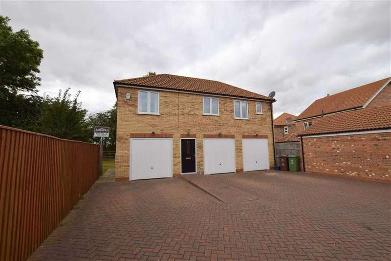 2 Bedrooms Flat for sale in Saxonfield Drive, Stallingborough, North East Lincolnshire