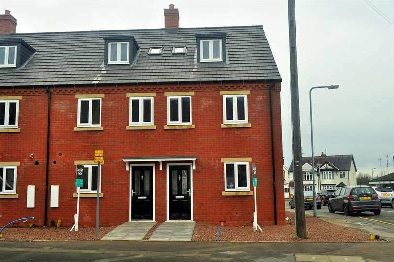 3 Bedrooms Town House for sale in Halesowen Road, Cradley Heath