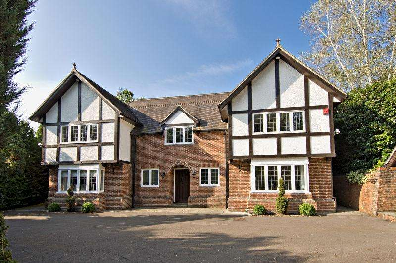 5 Bedrooms Detached House for sale in Badgers Hill, Wentworth Estate, Virginia Water, Surrey, GU25 4SA