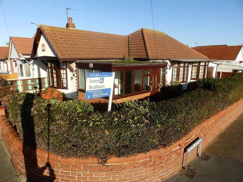 3 Bedrooms Detached Bungalow for sale in Molineaux Road, Rhyl