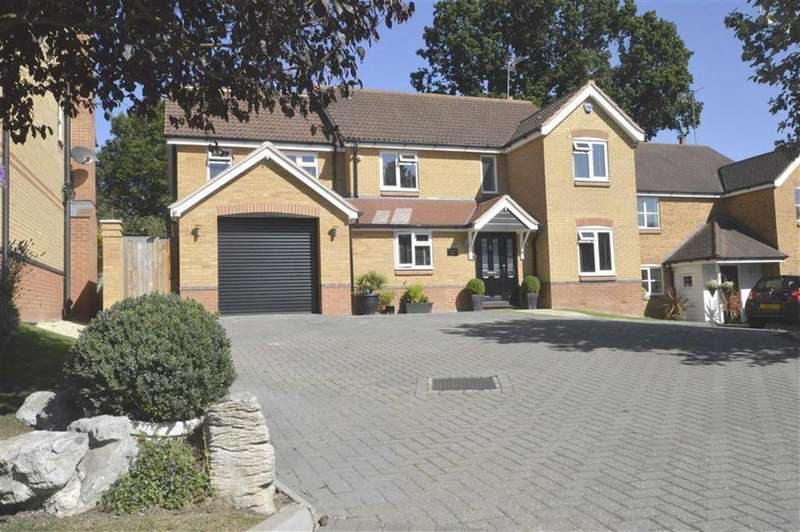 5 Bedrooms Detached House for sale in Gosse Close, Hoddesdon, Hertfordshire, EN11