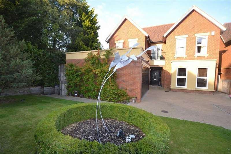 5 Bedrooms Detached House for sale in Chenies Place, Arkley, Hertfordshire