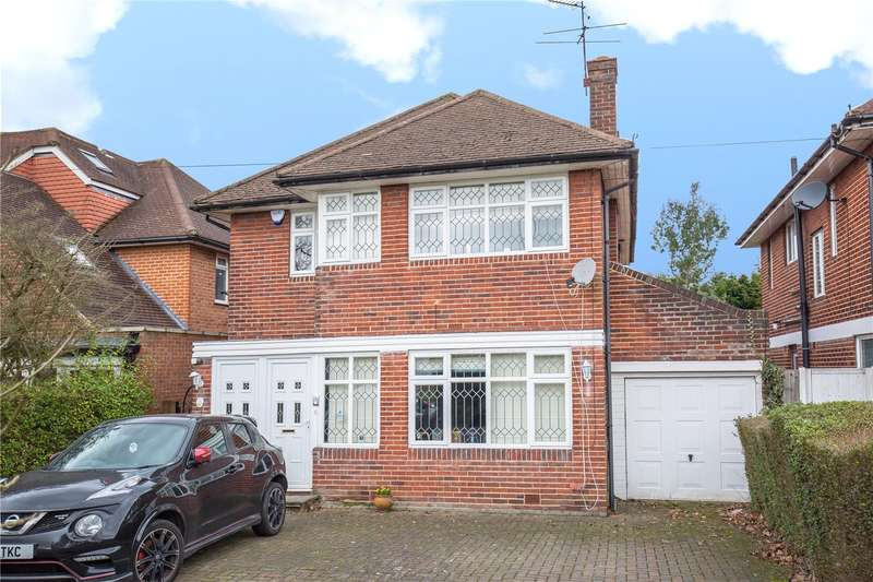 4 Bedrooms Detached House for sale in Edgwarebury Lane, Edgware, London, HA8