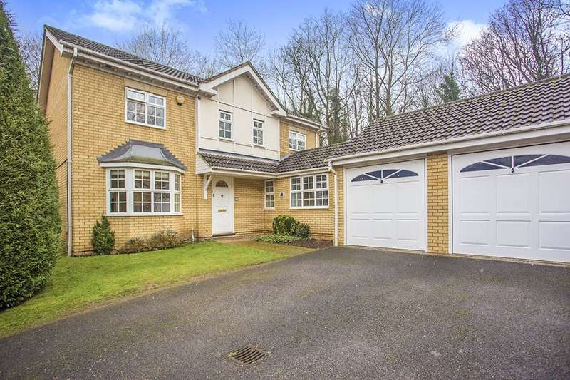 4 Bedrooms Detached House for sale in Tunnel Wood Road, Watford, WD17