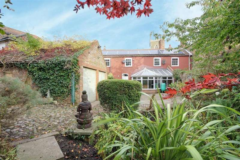 5 Bedrooms Detached House for sale in 16 Church Street, Alford