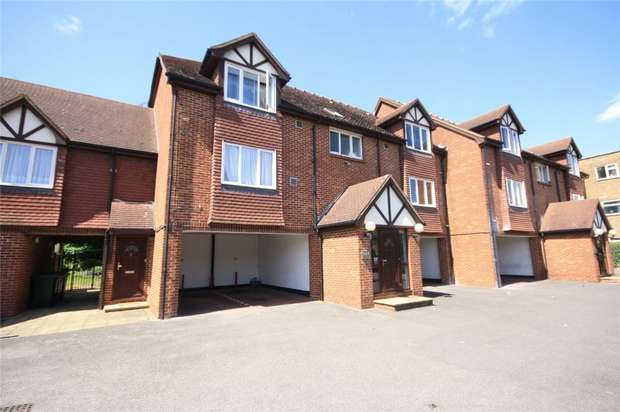 1 Bedroom Flat for sale in Hatton Road, Bedfont, Middlesex