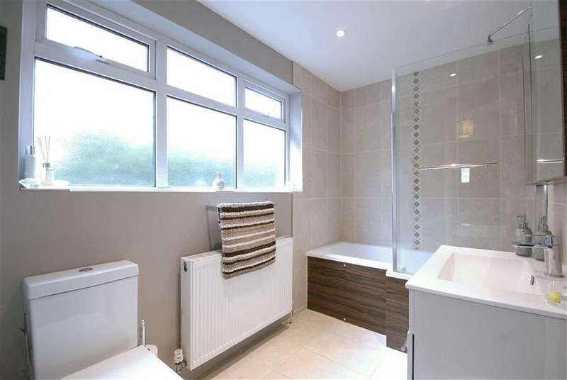 4 Bedrooms Semi Detached House for sale in Lawrence Road, West Wickham, Kent