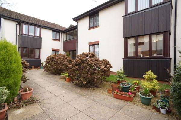 1 Bedroom Apartment Flat for sale in Cypress House, Westerleigh Road, Downend, Bristol, BS16 6AZ
