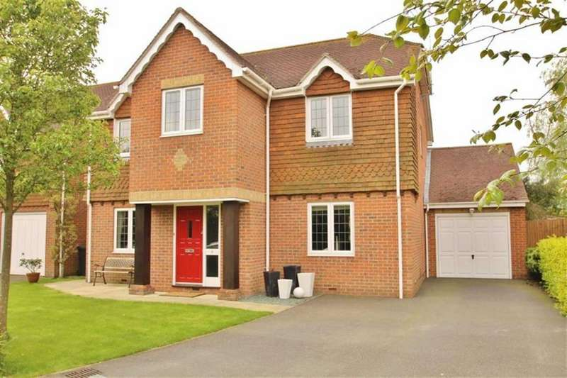 5 Bedrooms Detached House for sale in Ryecroft, Longfield Hill