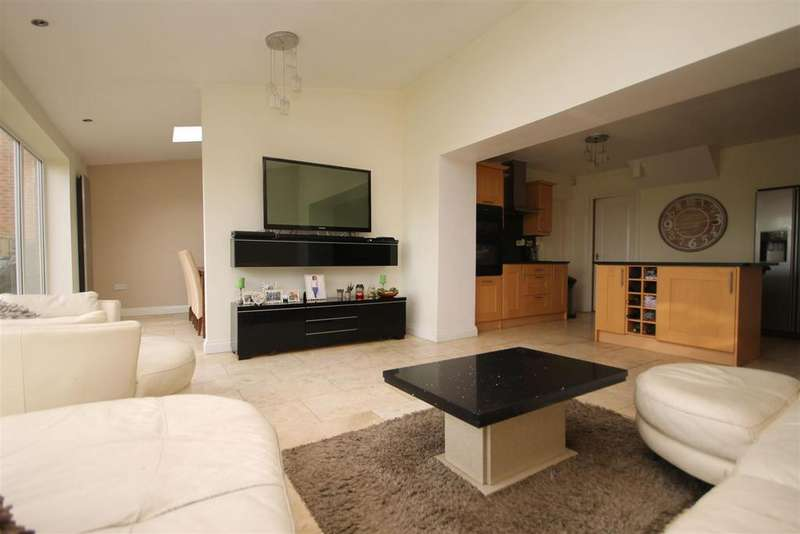 4 Bedrooms Detached House for sale in Chaffinch Close, Hartlepool