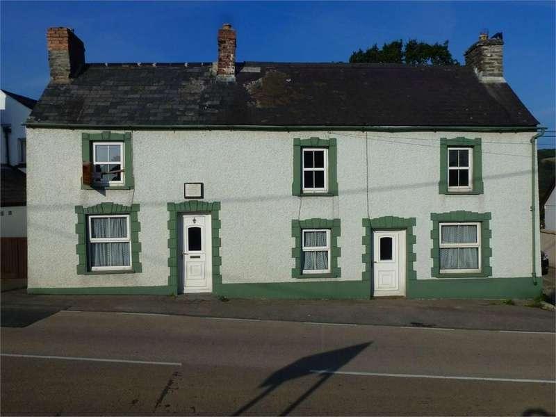3 Bedrooms Semi Detached House for sale in Tasker House, Penybryn, Cardigan, Cardigan, Pembrokeshire