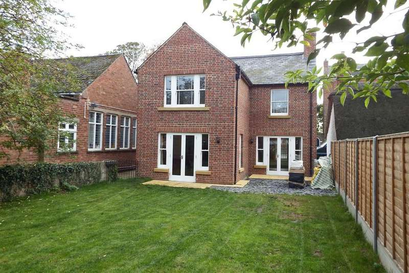 3 Bedrooms Detached House for sale in Station Street, Donington