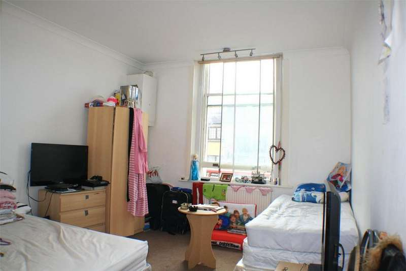 1 Bedroom Flat for sale in Norwood Road, London