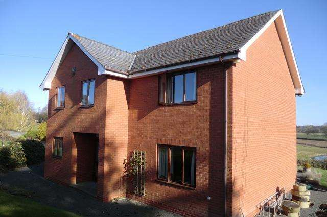 3 Bedrooms Detached House for sale in Ruschock, Kington