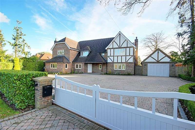 5 Bedrooms Detached House for sale in Hanyards Lane, Cuffley, Hertfordshire