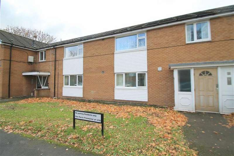 2 Bedrooms Flat for sale in Stockwell Grove, Wrexham