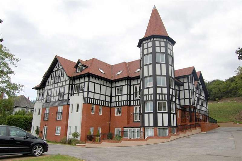 2 Bedrooms Apartment Flat for sale in Bryn Y Bia Road, Craigside, Llandudno, Conwy