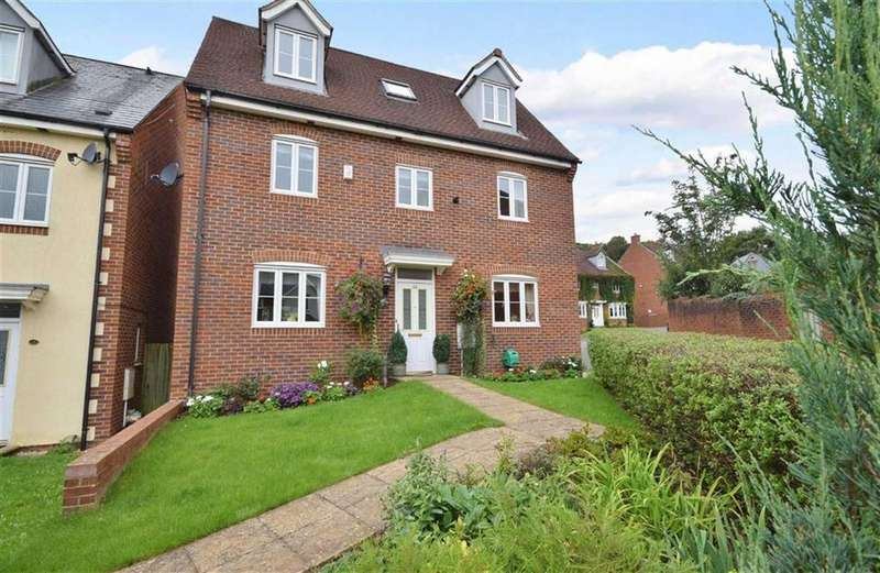5 Bedrooms Detached House for sale in Bigstone Meadow, Tutshill, Monmouthshire