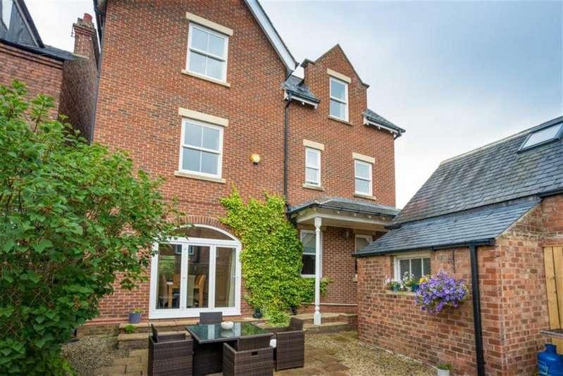 4 Bedrooms Detached House for sale in Swinburne Road, Darlington