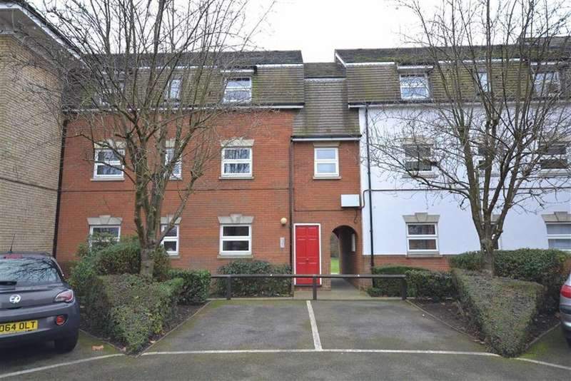 2 Bedrooms Apartment Flat for sale in Haltwhistle Road, South Woodham Ferrers, Essex