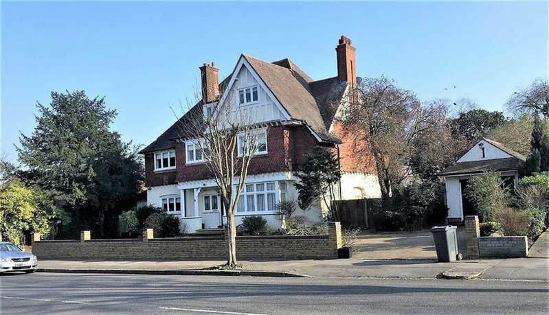 6 Bedrooms Detached House for sale in Park Avenue, Bromley, Kent