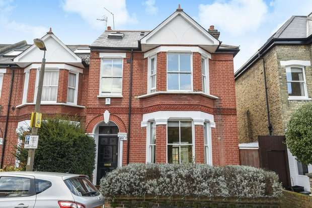 4 Bedrooms Semi Detached House for sale in Sandycoombe Road, St Margarets, Twickenham