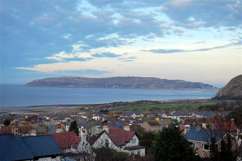 3 Bedrooms Semi Detached House for sale in Conway Old Road, Dwygyfylchi, Penmaenmawr, Conwy