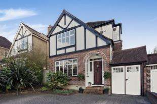 4 Bedrooms Detached House for sale in The Windings, Sanderstead, South Croydon