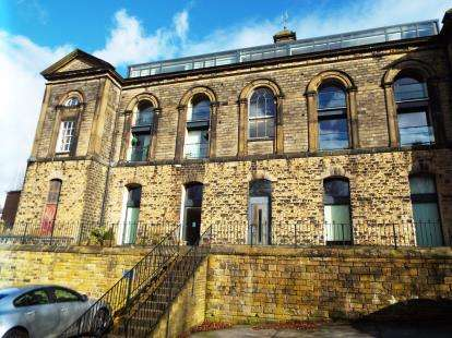 2 Bedrooms Flat for sale in The Chapel, Burnley Road, Halifax, West Yorkshire